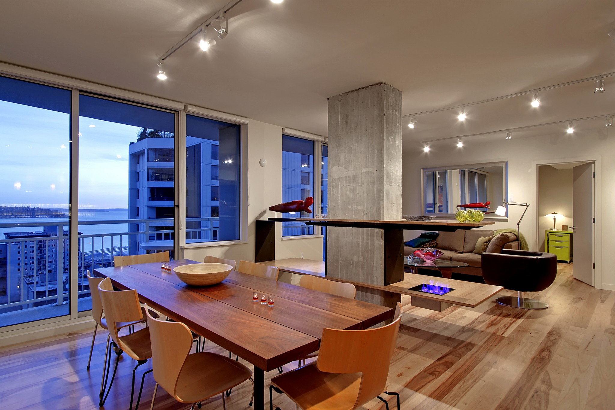 Seattle Heights Condominium - Dining Area 1